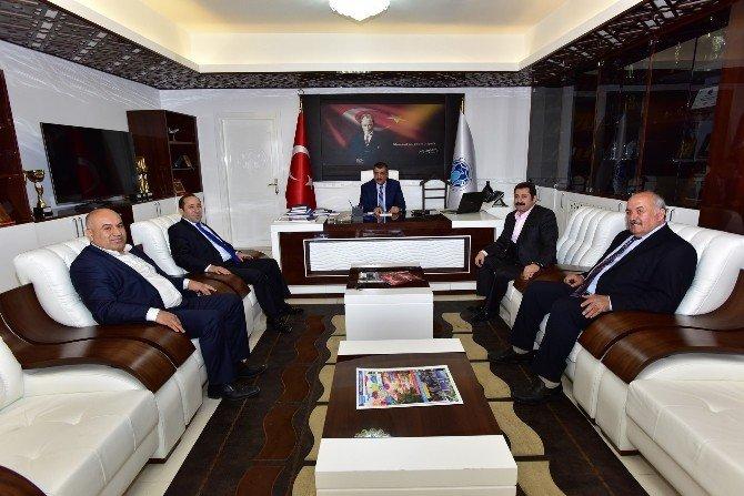 Sanatçılar, Başkan Gürkan'ı Ziyaret Etti
