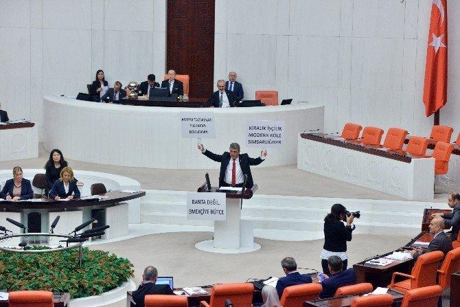 CHP'li Vekilden Pankartlı Konuşma