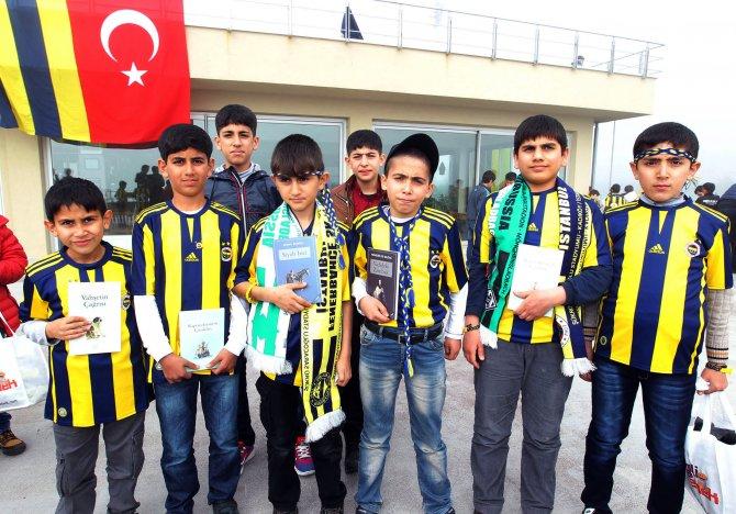 Fenerbahçe, Diyarbakır Sur'dan gelen minikleri ağırladı