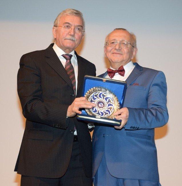 ESOGÜ, Prof. Dr. Mehmet Arif Akşit'i Törenle Emekliliğe Uğurladı