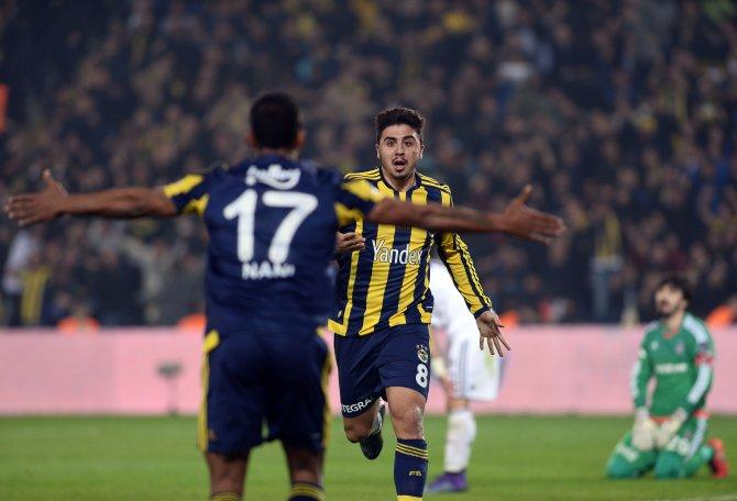 Fenerbahçeli taraftarlar Samandıra Tesislerine akın ediyor