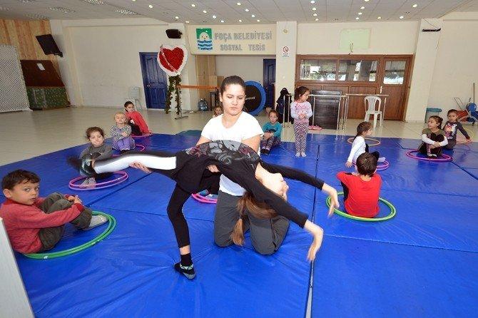 Foçalı Küçükler Jimnastik Öğreniyor
