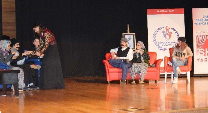 Türk Müziği Ve Skeç Yarışmaları Yapıldı