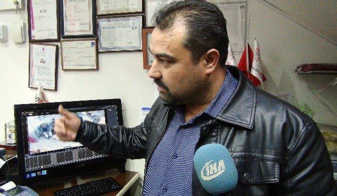 Gaziantep'te Bağış Kutusunun Çalınma Anı Güvenlik Kamerasında