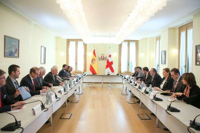 İspanya Dışişleri Bakanı Garcia'nın Tiflis temasları devam ediyor