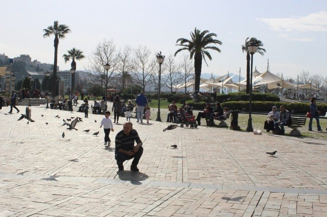 Gurbetçilerin Gözdesi İzmir Sıcakları
