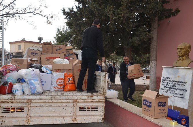İstiklal Marşı Eşliğinde Bayırbucak Türkmenlerine Yardım
