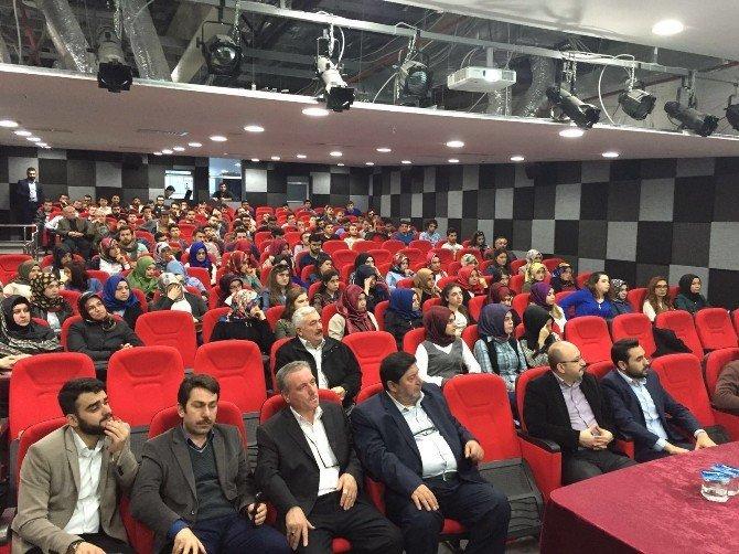 "AK Gençlerden ""Demokrasiye Vurulan Kara Leke"" Başlıklı Konferans"