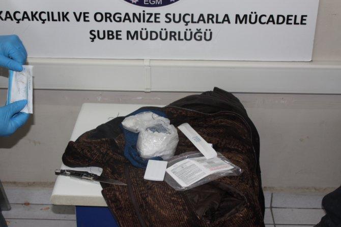 Pardösüde 150 bin liralık uyuşturucu çıktı