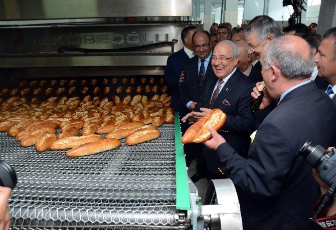 Mersin'de Halk Ekmek Fabrikası hizmete girdi, ekmek 60 kuruşa satılacak