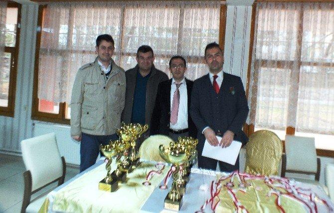 Niğde Defterdarlık Kupası Satranç Turnuvası Sonuçlandı