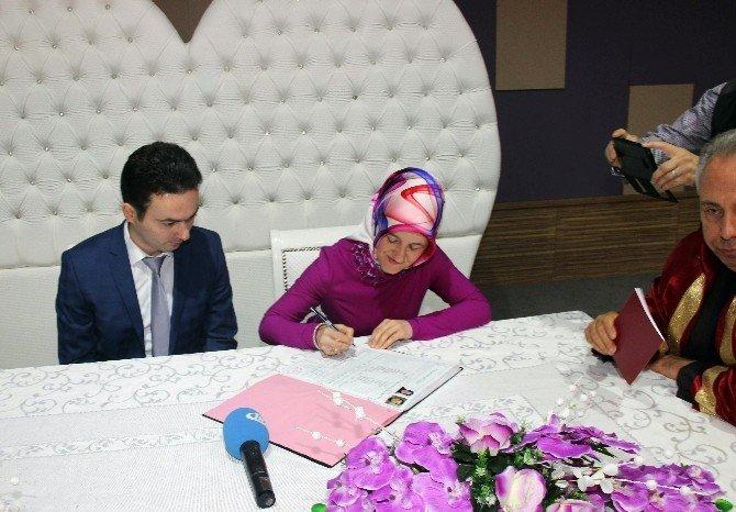 29 Şubat'ta Nikah Masasına Oturdular