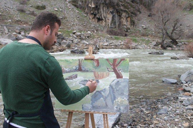 Beytüşşebaplı Resim Öğretmenleri Doğa Şölenini Tuvale Aktarıyor