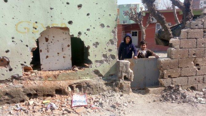 Çatışmalardan geriye enkaza dönmüş evler kaldı