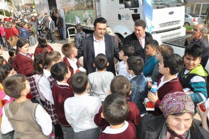 Deprem Simülasyon Tırında Öğrencilere Deprem Eğitimi