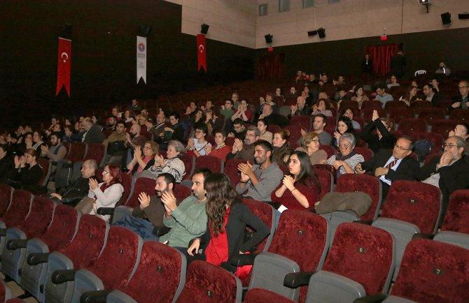 Yaşar Kemal'e 'Kırmızı Deynek'li anma