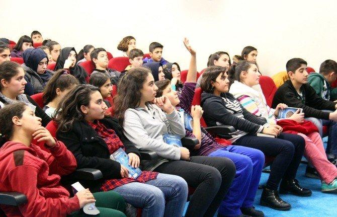 """Cem Gülbent: """"Kalemle Yazmak Beyin Fonksiyonlarını Güçlendirir"""""""