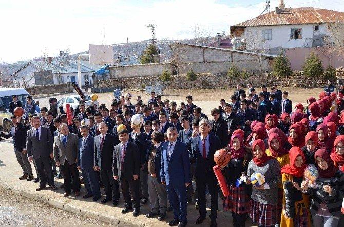 """Tufanbeyli'de """"Eğitim Ve Spor El Ele"""" Projesi"""