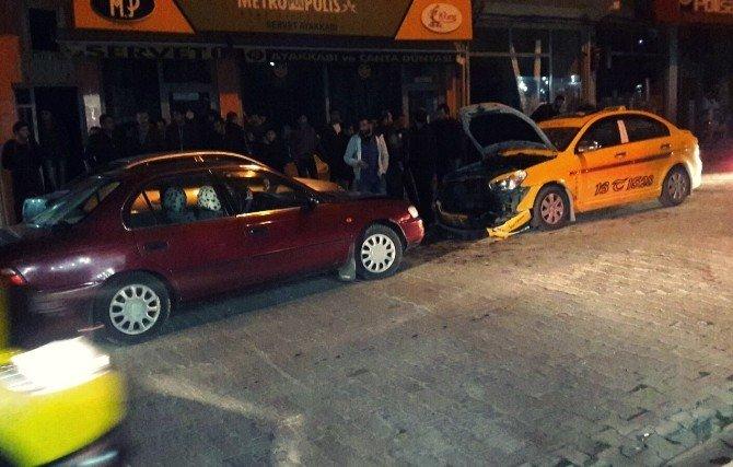 Adilcevaz'da Trafik Kazası