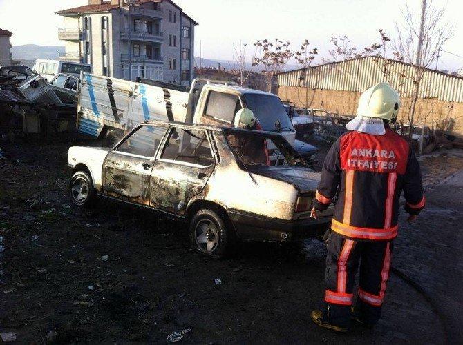 Beypazarı'nda İki Araç Kundaklandı