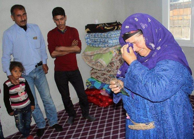 İki Çocukları Kayıp Olan Anne Ve Baba Gözyaşlarına Boğuldu