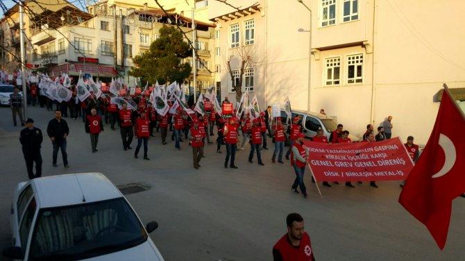 Bilecik'te işçiler meydanlara indi