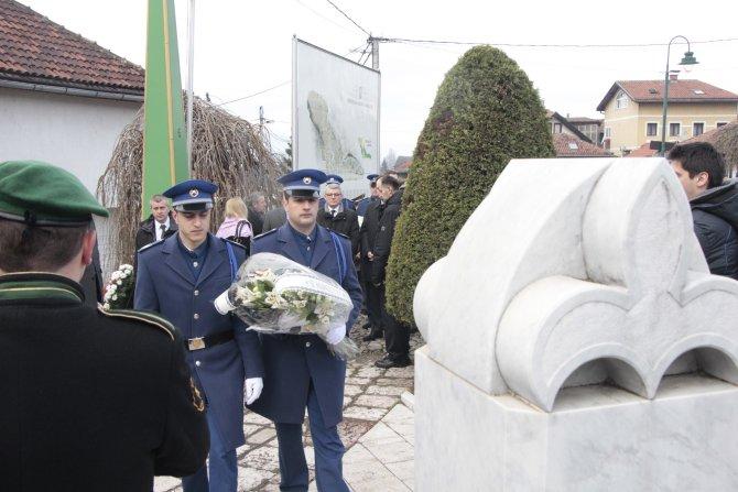 Bosna-Hersekli bakan bağımsızlık kutlamalarına katılmayan Sırplara sert çıktı