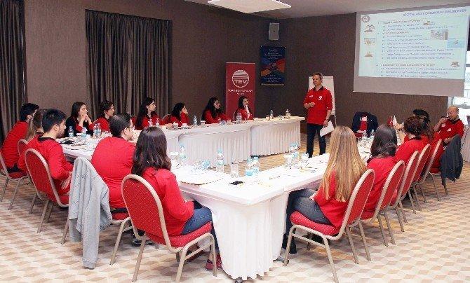 Rotary'den Tev'li Öğrencilere Liderlik Eğitimi
