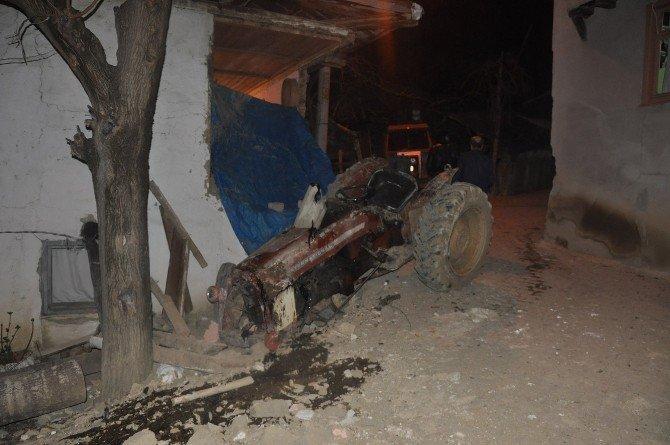 Traktörün Altına Kalan Yaşlı Çiftçi Hayatını Kaybetti