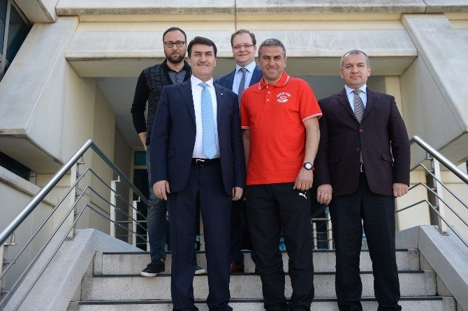 Dündar'dan Hamza Hamzaoğlu'na Moral Ziyareti