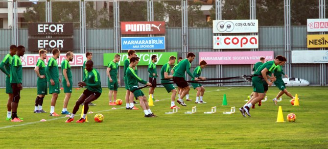Bursaspor, Çaykur Rizespor'a kilitlendi