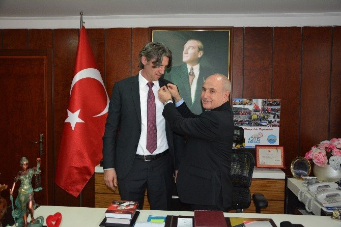 Başkan Akgün'den, Makedonya'ya Okul Sözü