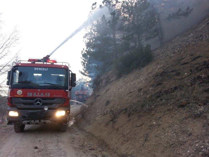 Denizli'de 8 Hektarlık Ormanlık Alan Yandı