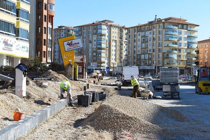 Fahri Kayahan Bulvarında Üst Yapı Çalışmalarına Devam Ediliyor