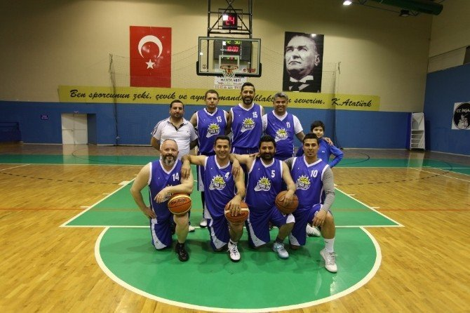 Veteran Basketbolcular Sahada