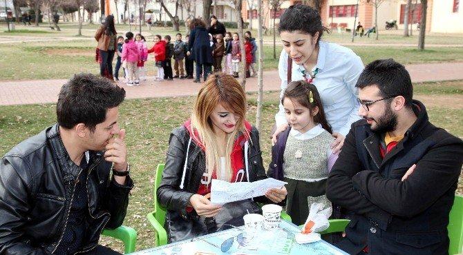 Minikler Dileklerini Üniversiteli Ağabey Ve Ablalarıyla Paylaştı