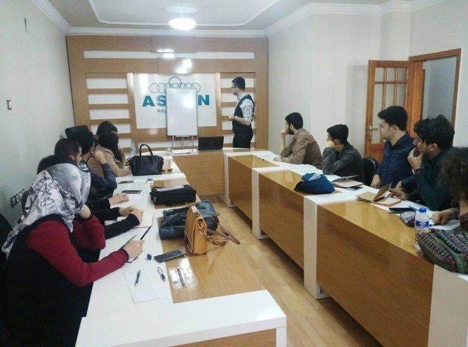 Genç ASKON'dan Öğrencilere Proje Hazırlama Eğitimi