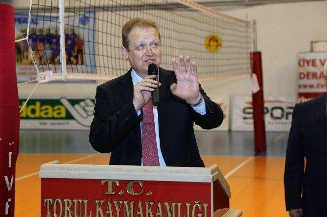 Torul'da Kaymakamlık Kupası Voleybol Turnuvası Başladı