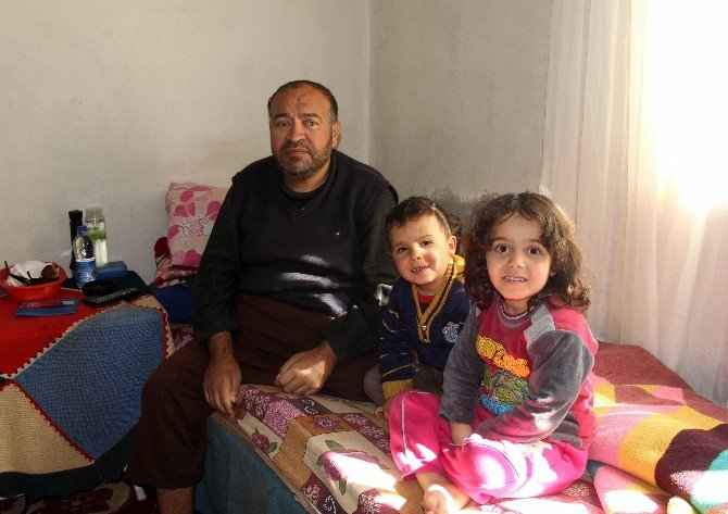 Halep'te Bombardımanda Yaralanan Suriyelinin Ayağı 2 Kere Kesildi
