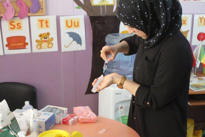 Time to Help gönüllüsü doktorlar binin üzerinde Senegalliyi tedavi etti