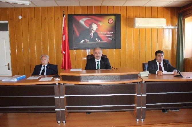 İl Genel Meclisi Üyeleri İlgili Maddeleri Komisyonlara Gönderdi