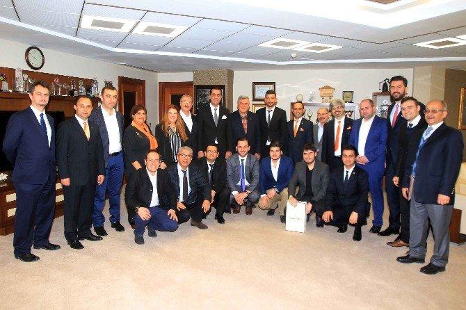 İnşaat Mühendislerinin İlk Ziyareti Başkan Karaosmanoğlu'na Oldu