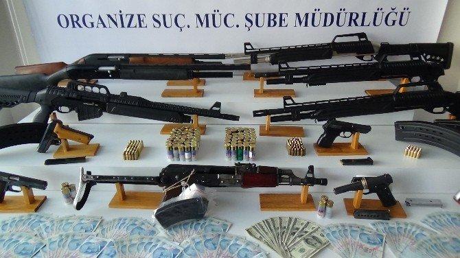 İstanbul'da Silah Kaçakçılığı Operasyonu: 6 Tutuklama