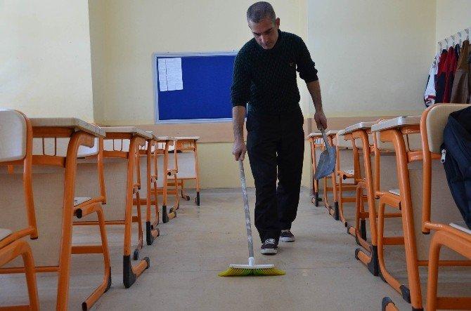 Ceza Çektiği Okulda Sigortalı Çalışan Oldu