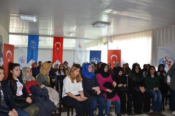 Araştırmacı Yazar Şenlikoğlu Bilecik'li Gençlerle Buluştu