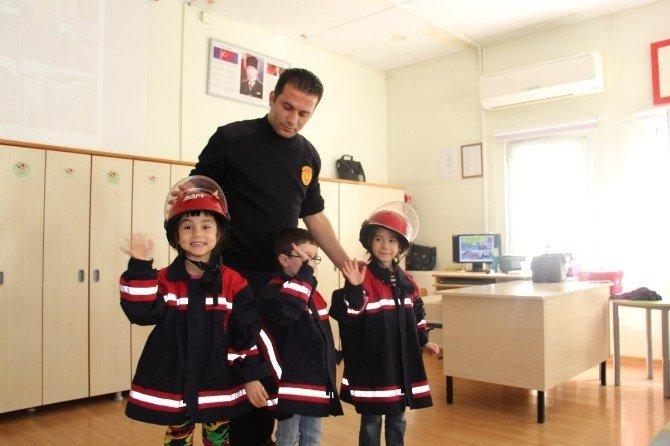 İtfaiye Erlerinden Minik Öğrencilere Uygulamalı Eğitim