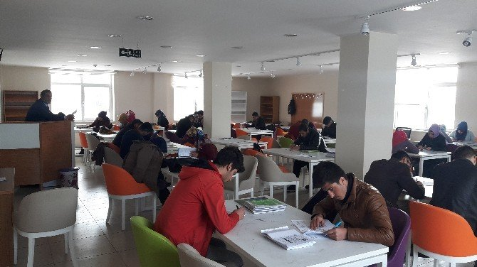 Erciş Ve Muradiye Halk Kütüphaneleri Yeni Binalarında