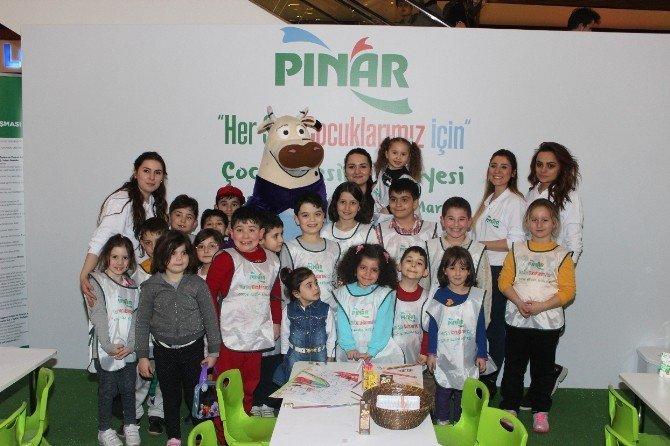 Pınar, Resim Yapmayı İl İl Gezerek Sevdiriyor
