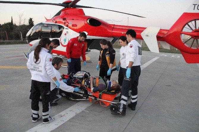 Minibüsün Çarptığı Yaşlı Kadının Yardımına Ambulans Helikopter Yetişti