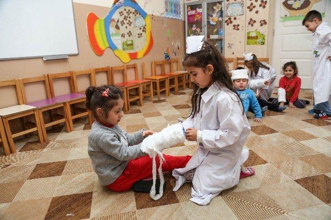 Şehitkamilli Minikler Sivil Savunma Haftasını Kutladı